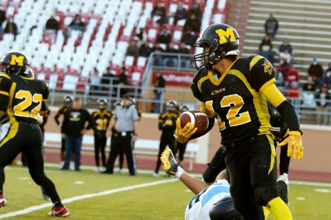 6-Man Top 6: Adan Granillo (Photo: Everett Royer, KSportsImages.com)