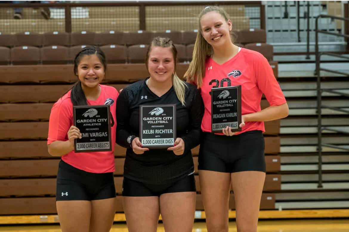 Garden City seniors (from left) Remi Vargas, Kelbi Richter and Reagan Karlin are three of the six Kansans who make up the 2020 Garden City Community College Volleyball Signing Class. (Photo by Adam Shrimplin, Shrimplin Photography)